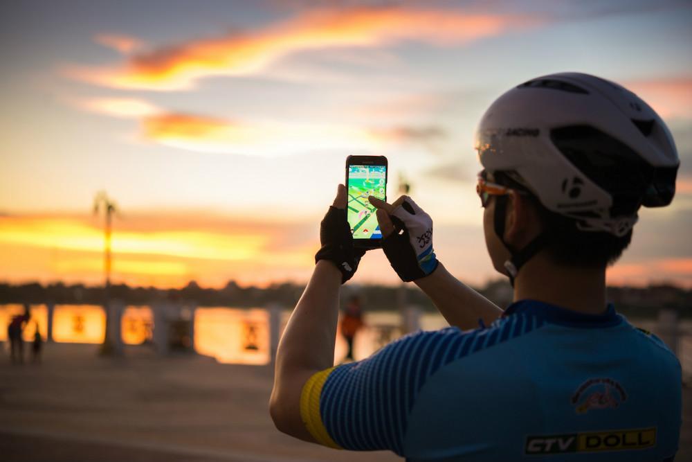 Using Augmented Reality Pokemon Go